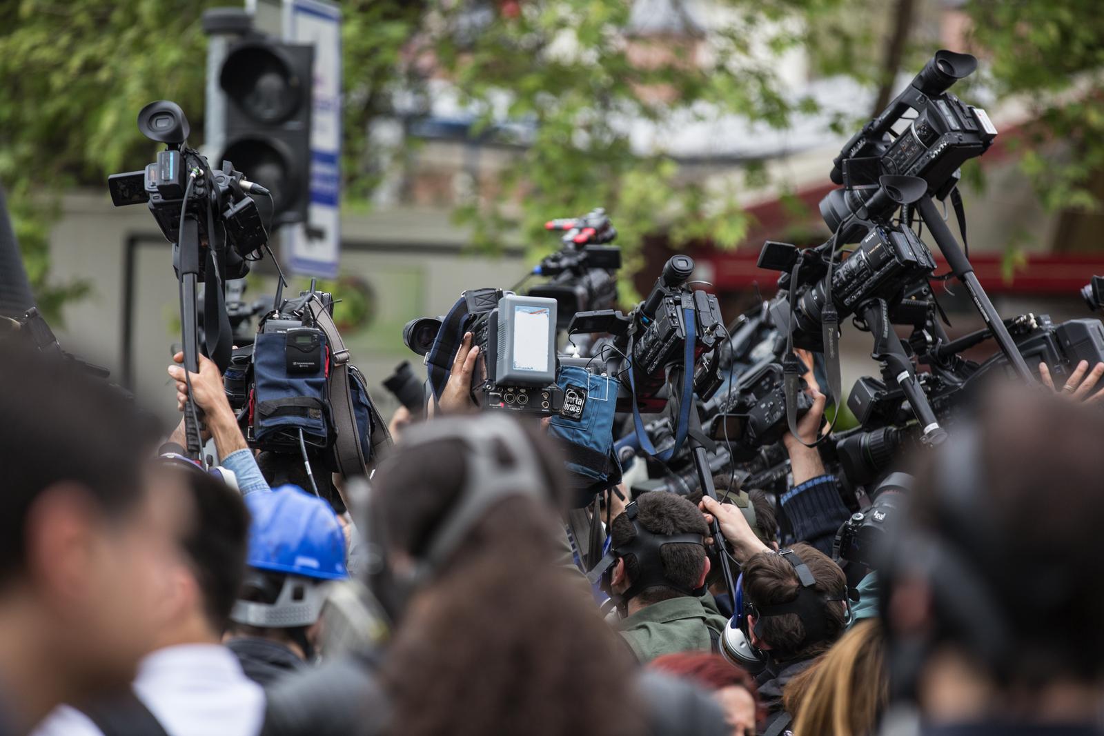 """Jak media mówią o PR? Raport inicjatywy """"PR. Bez komentarza"""""""