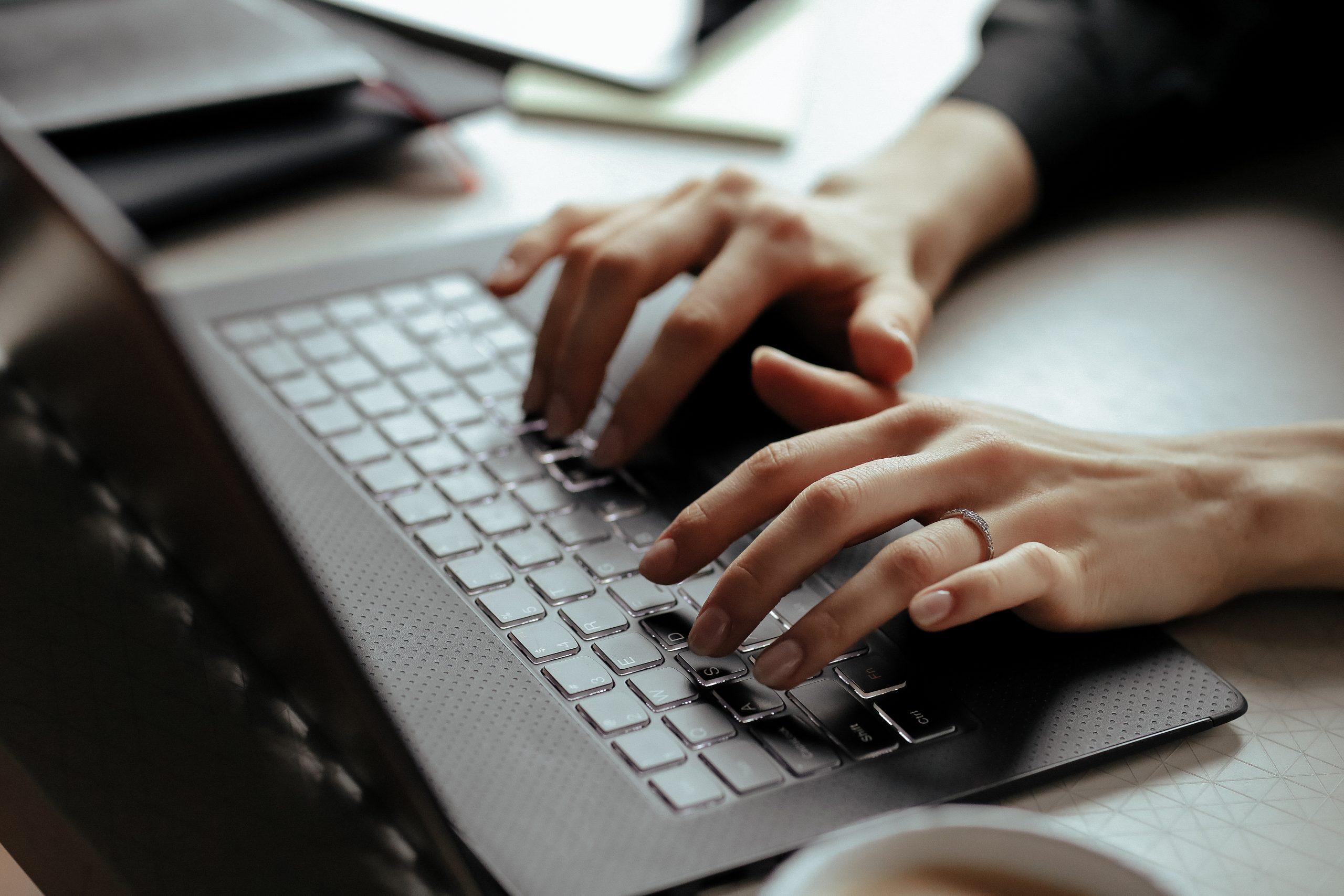 Czy gra online może skutecznie rozwijać kompetencje managerskie?